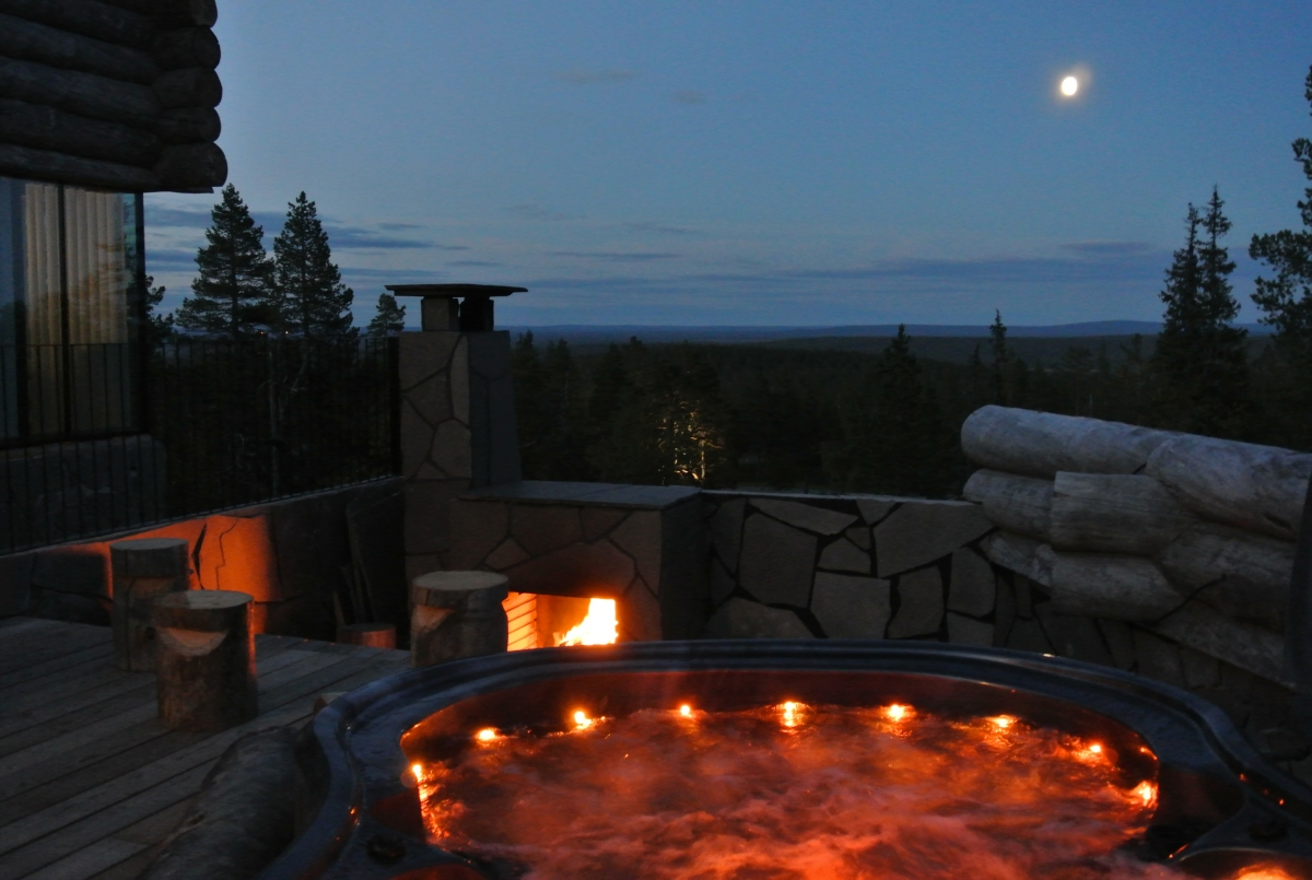 Levi'n'Sky Luxury Villa Outdoor Jacuzzi